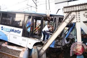 Kecelakaan Kereta Dengan Transjakarta