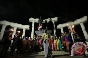Siswa Madrasah peringati Harkitnas di Bukit Barade Borobudur
