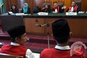 Hakim vonis 20 tahun pembunuh Salim Kancil