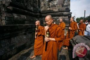 Penyematan Api Dharma