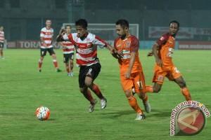 PBFC ditahan Semen Padang tanpa gol