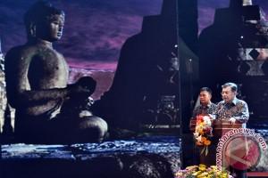 Menag lepas lampion Waisak di Borobudur