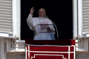 Paus batalkan pidato untuk berdoa bagi korban gempa Italia