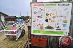 Daur Ulang Sampah Plastik Jadi Kerajinan