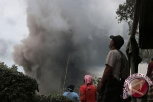 Anggota DPRD nilai penanganan erupsi Sinabung belum komprehensif