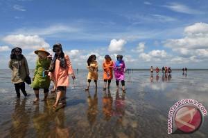Ribuan wisatawan padati wisata pantai Gunung Kidul