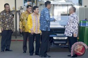 Ical dan Setnov bertemu Presiden Jokowi di Istana