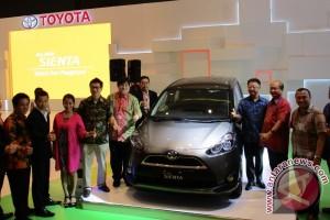 Toyota perkenalkan Sienta di Pameran Otomotif Medan