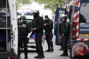 Beberapa orang ditahan menyusul bentrokan di Paris