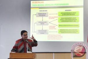 Kuliah Umum Menteri Agraria