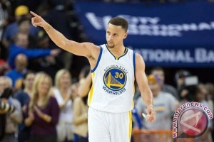 Warriors ungguli Cavs 2-0 pada final NBA