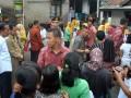 Presiden Joko Widodo Bagikan Sembako