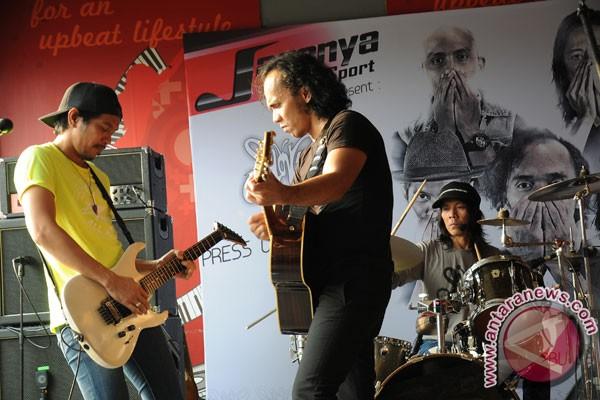 Slank Meriahkan Hari Pramuka Ke-55 Di Surabaya