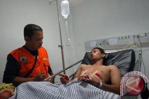 Tiga warga Padang dirawat akibat gempa bumi