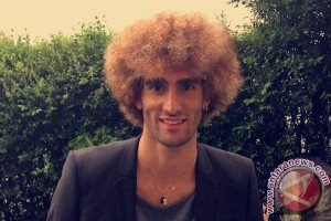 Fellaini pamerkan salon rambut di rumahnya
