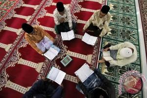 Pemkot Tangerang gelar pengajian pegawai setiap hari