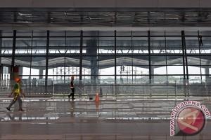 Bandara Soekarno-Hatta harus lebih bersih