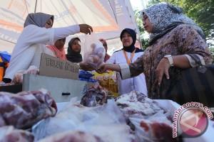 300 kilogram daging sapi beku habis terjual di Lebak