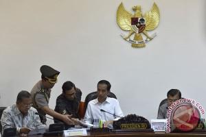 Presiden Jokowi gelar rapat infrastruktur transportasi