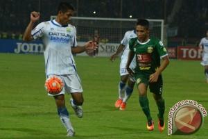 Surabaya United permalukan Persiba 2-0