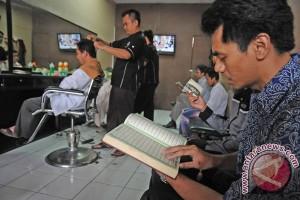 Warga Depok gelar khataman Quran di 1.400 masjid