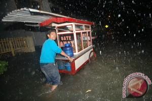 BMKG: 50 persen wilayah Sumbar diguyur hujan
