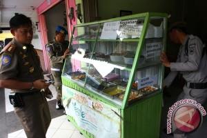 MUI Riau kecam Pemda diamkan warung muslim buka siang hari