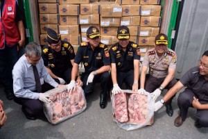 Bea Cukai bongkar impor daging ilegal
