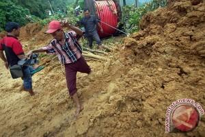 Empat kecamatan Kulon Progo alami tanah longsor