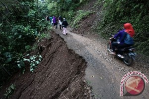 Golkar Jateng buka posko bantuan korban banjir-longsor