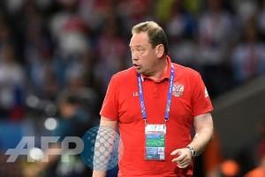 Euro 2016 - Pelatih Rusia mundur?
