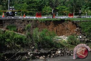 Jalan Ambles Di Yogyakarta