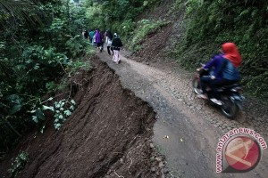 Pencarian korban bencana di Jateng terus dilakukan