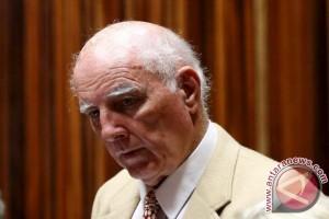 Skandal pemerkosaan, mantan petenis Bob Hewitt berupaya hindari penjara
