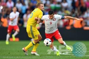 Hattrick Lewandowski antar Polandia taklukkan Denmark