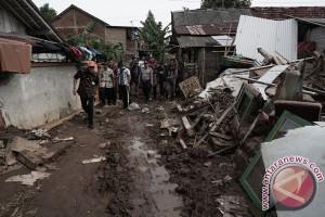 Gubernur Kunjungi Lokasi Bencana