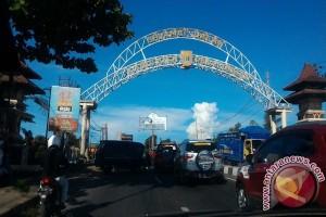 Polres Pekalongan tutup Jembatan Spait Jalur B