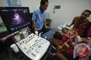 Bayi kembar empat lahir di Surabaya