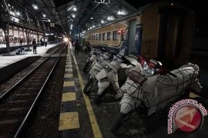 Lebih 500 motor diangkut kereta api dari Yogyakarta