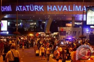 Panik di mana-mana, penerbangan dari Istanbul pun sempat ditunda