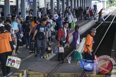 Tiket kereta api libur Natal dari Yogyakarta masih tersedia