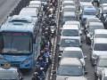 Pengendara Memasuki Jalur Transjakarta