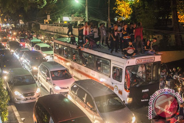 Remaja dominasi takbiran keliling ruas jalan Jakarta