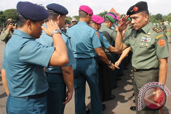 KH Hasyim Muzadi minta Pangdam jaga NKRI