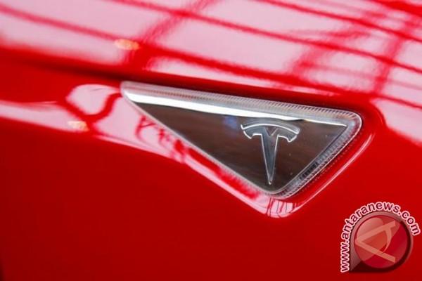 Tesla akan luncurkan truk listrik bulan depan