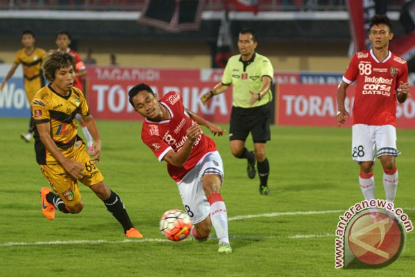 Mitra Kukar Tumbangkan Madura United 2-1