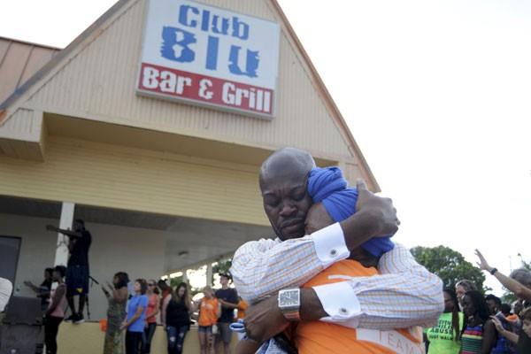 Dua tewas dan 14 lebih terluka akibat penembakan di for Global motors fort myers florida