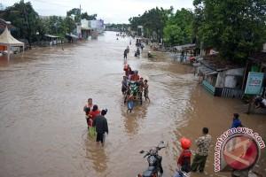 Ratusan rumah di Padang terendam banjir