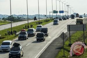 Tol Jakarta-Cikampek lancar