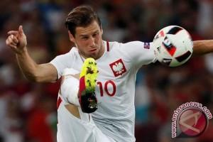 Euro 2016 - Gelandang Polandia Grzegorz Krychowiak direkrut PSG